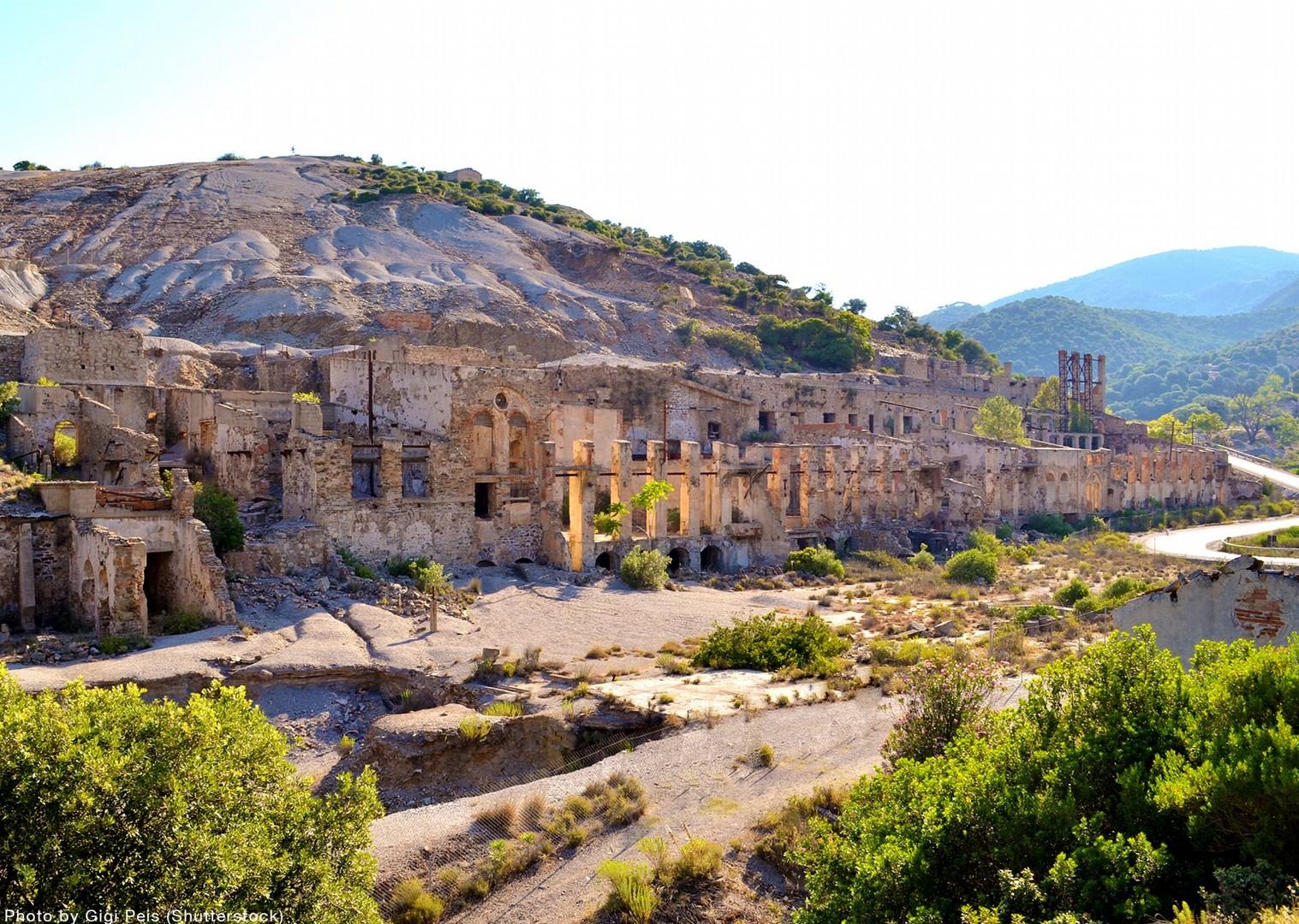 sardinia-archaeological-sites-mountain-biking-tour.jpg - Sardinia - Coast to Coast - Italia Mountain Biking