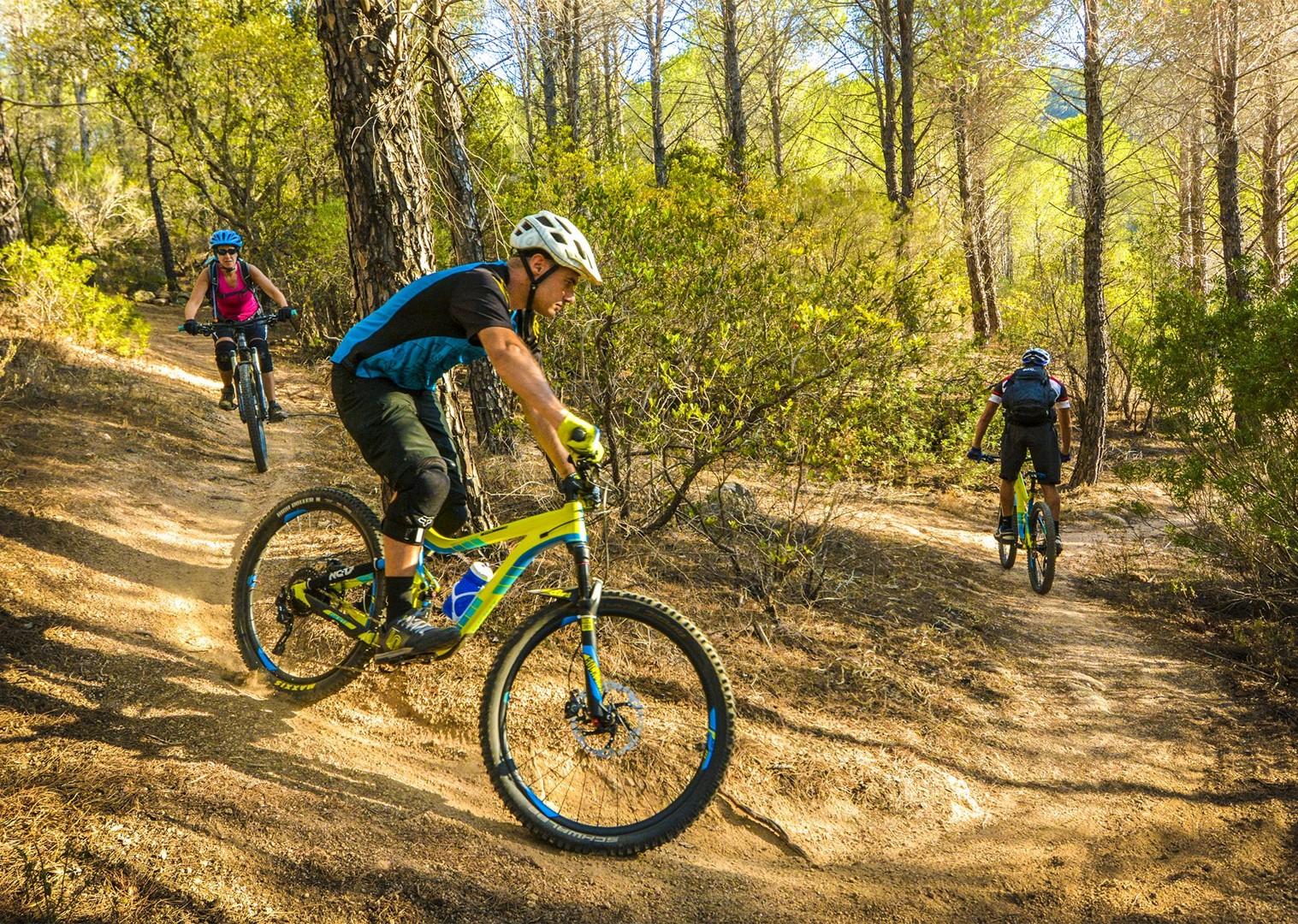 hills-of-marmilla-sardinia-technical-mountain-biking-holiday-italy.jpg - Sardinia - Coast to Coast - Italia Mountain Biking