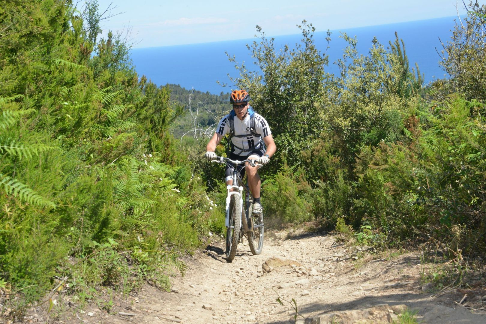 efVnVe4iU5sCZm4HoERYYn6oz_nZI6m2XwHDizpXKzM,o8SHoh6M-ysWuQ56-3ZEpPBXJ2yZwKSRIbtHiKe__zg.jpg - Italy - Liguria - Riding the Riviera - Guided Mountain Bike Holiday - Italia Mountain Biking