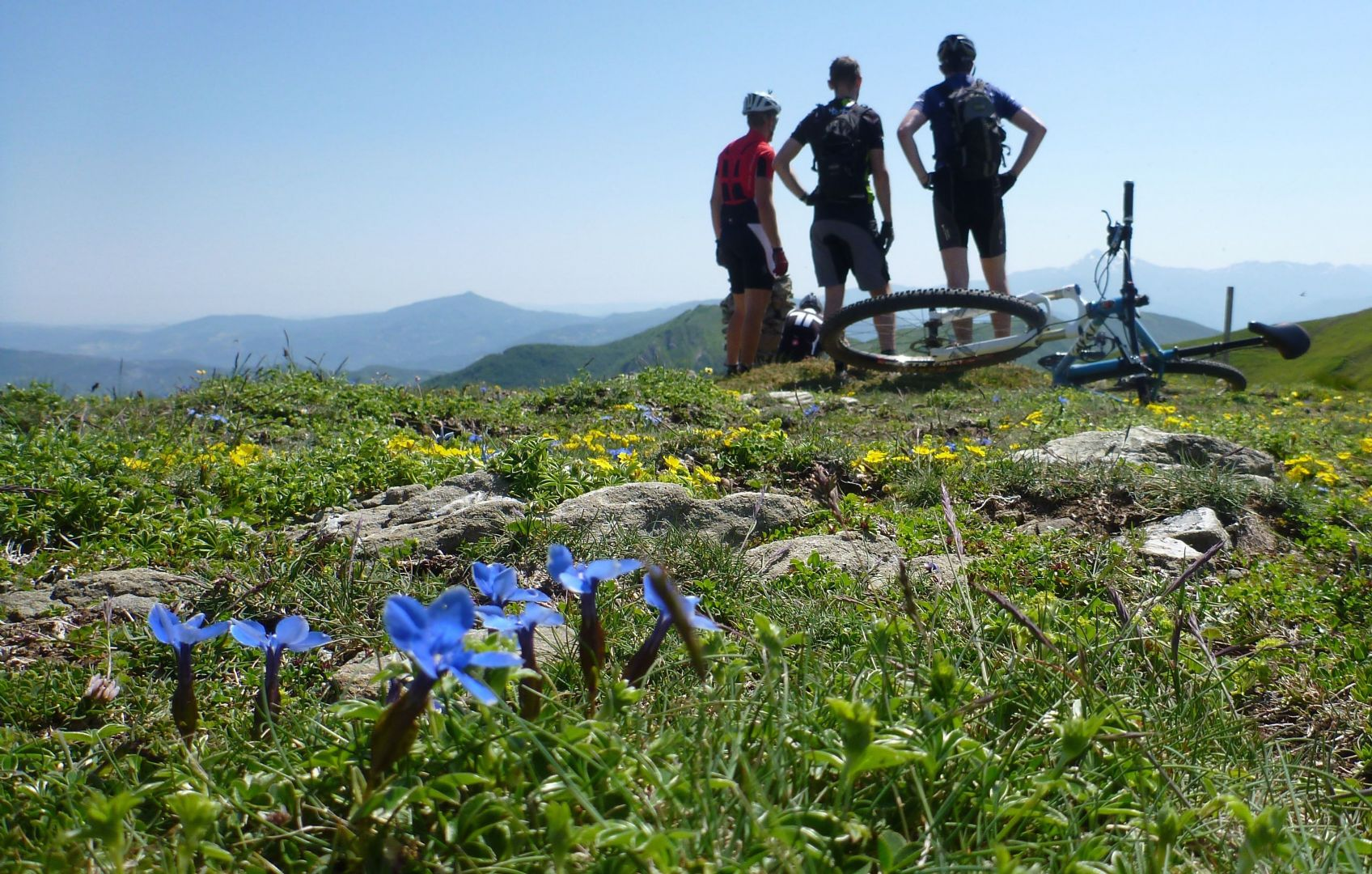 The roof of Tuscany.jpg - Italy - Tuscany - Secret Apennine Trails - Italia Mountain Biking