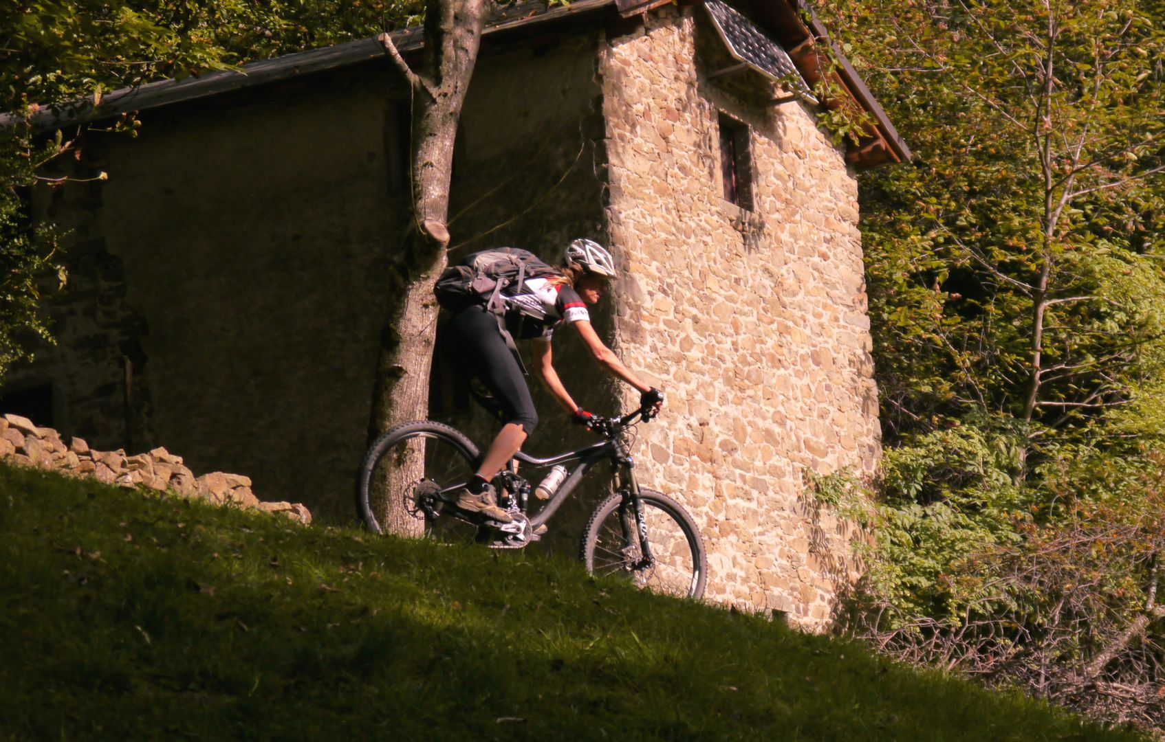 Naomi and the barn.jpg - Italy - Tuscany - Secret Apennine Trails - Italia Mountain Biking