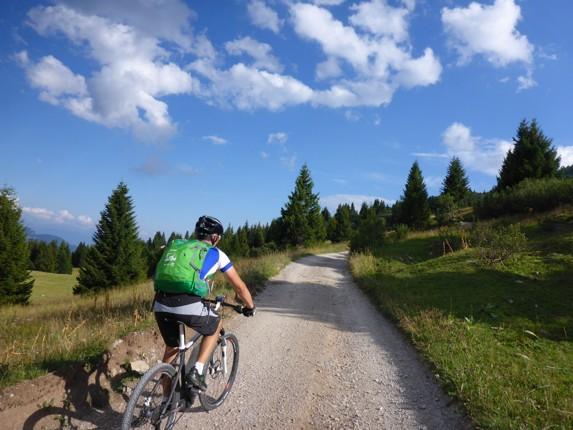 Skedaddle Dolomiti MTB - 0585.jpg - Italy - Dolomites of Brenta - Guided Mountain Bike Holiday - Italia Mountain Biking