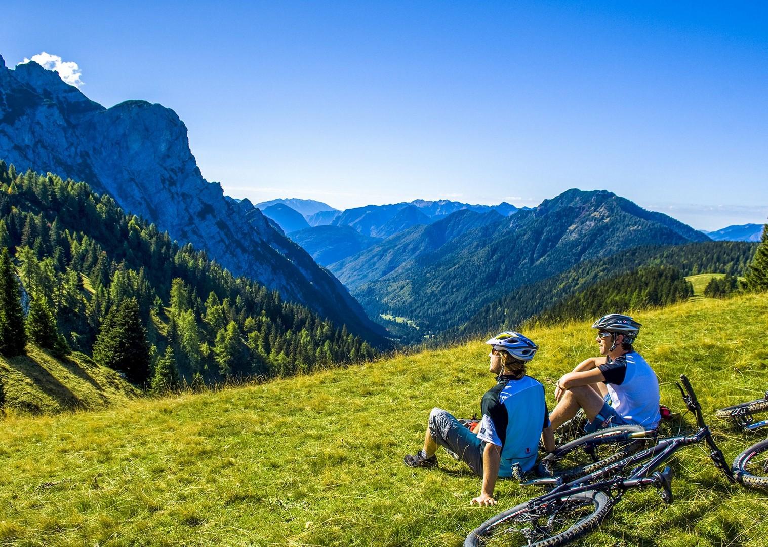 Brenta_Bike_2007_066-2.jpg - Italy - Dolomites of Brenta - Guided Mountain Bike Holiday - Italia Mountain Biking