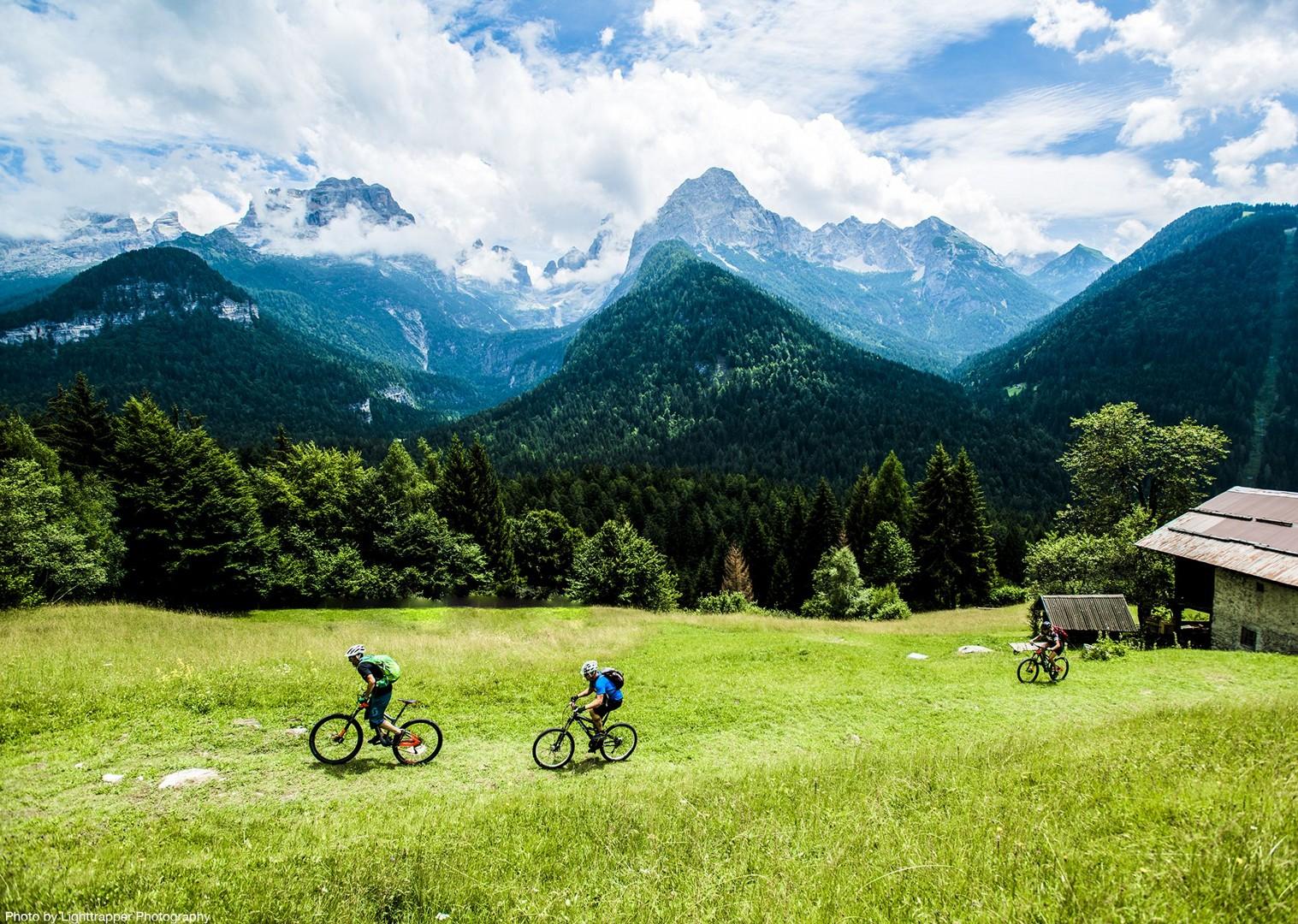 saddle_skedaddle_italy_2017_day6_brenta_dolomites_143-2.jpg - Italy - Dolomites of Brenta - Guided Mountain Bike Holiday - Italia Mountain Biking