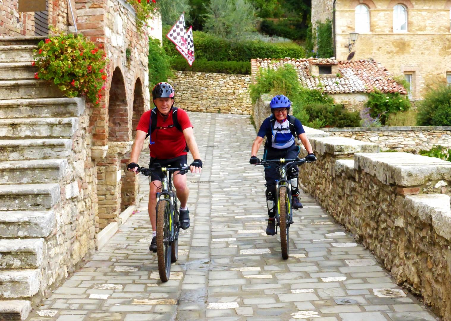 Foto 11-09-17, 09 22 46.jpg - Italy - Via Francigena (Tuscany to Rome) - Guided Mountain Biking Holiday - Italia Mountain Biking