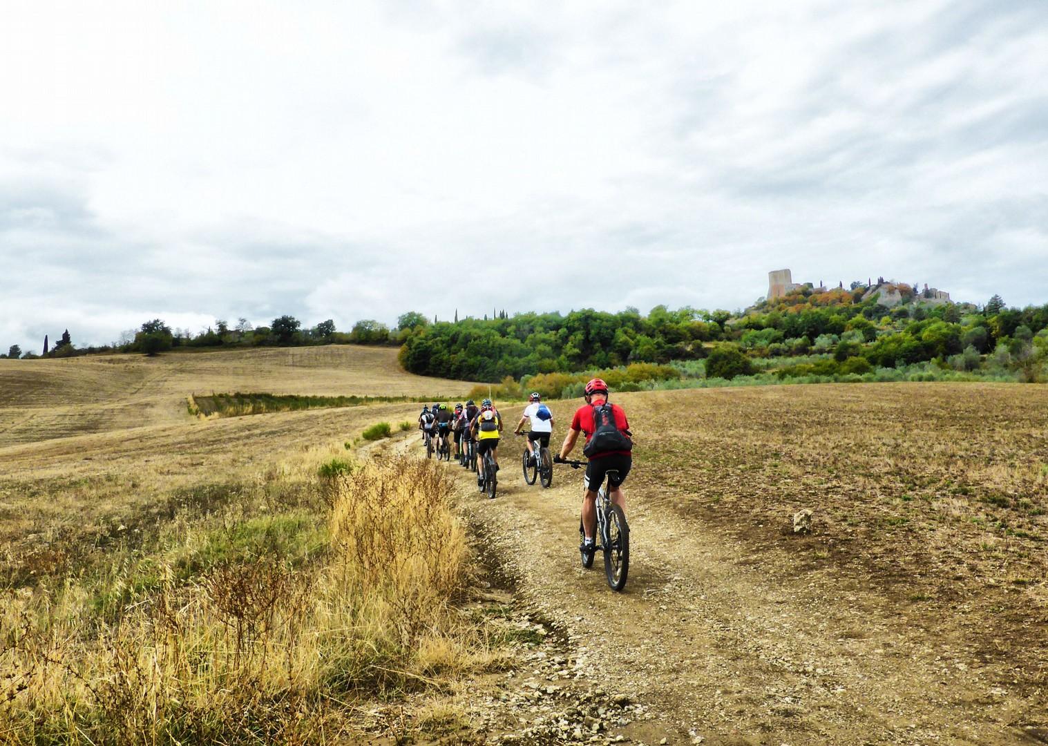 Foto 11-09-17, 10 53 50.jpg - Italy - Via Francigena (Tuscany to Rome) - Guided Mountain Biking Holiday - Italia Mountain Biking