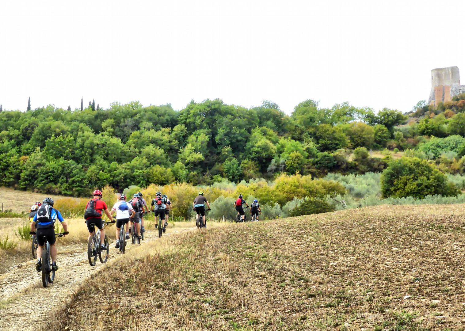 Foto 11-09-17, 12 17 15.jpg - Italy - Via Francigena (Tuscany to Rome) - Guided Mountain Biking Holiday - Italia Mountain Biking