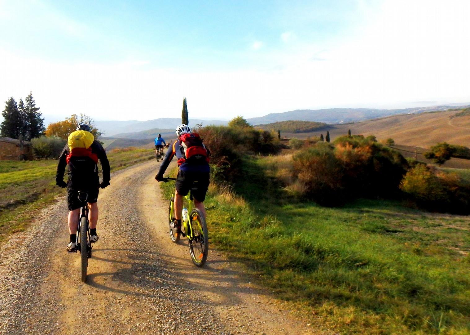 PB090041a.JPG - Italy - Via Francigena (Tuscany to Rome) - Guided Mountain Biking Holiday - Italia Mountain Biking