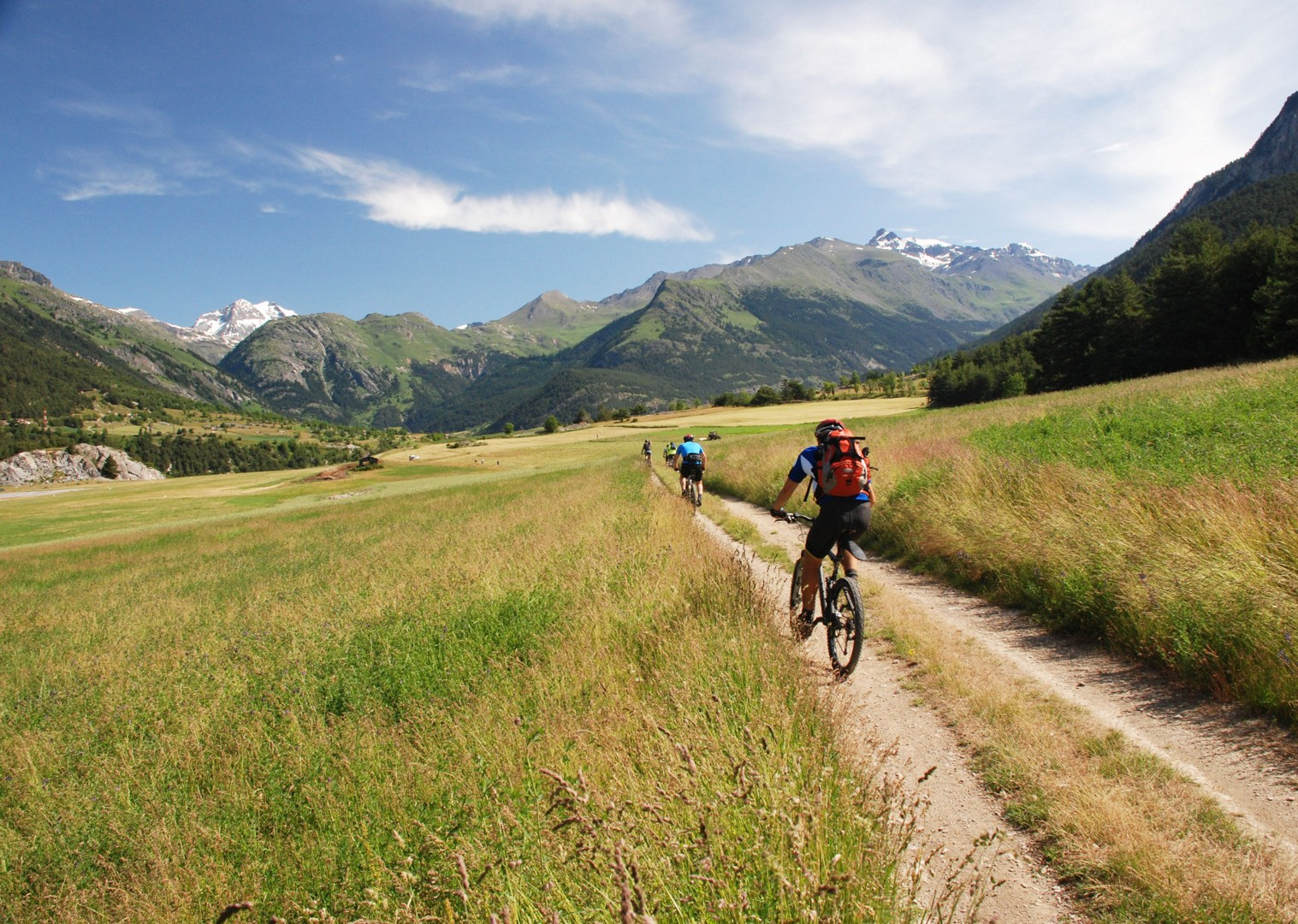 singletrack-mountain-bike-holiday-in-the-alps-alpine-adventure.JPG - Italy and France - Alpine Adventure - Guided Mountain Bike Holiday - Italia Mountain Biking
