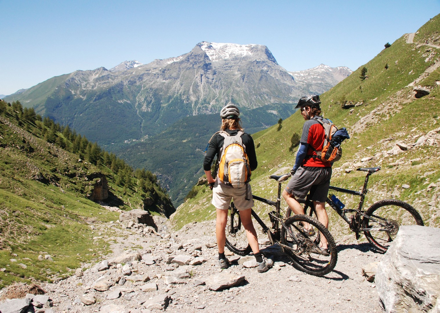 guided-mountain-bike-holiday-italy-and-france-alpine-adventure.JPG - Italy and France - Alpine Adventure - Guided Mountain Bike Holiday - Italia Mountain Biking
