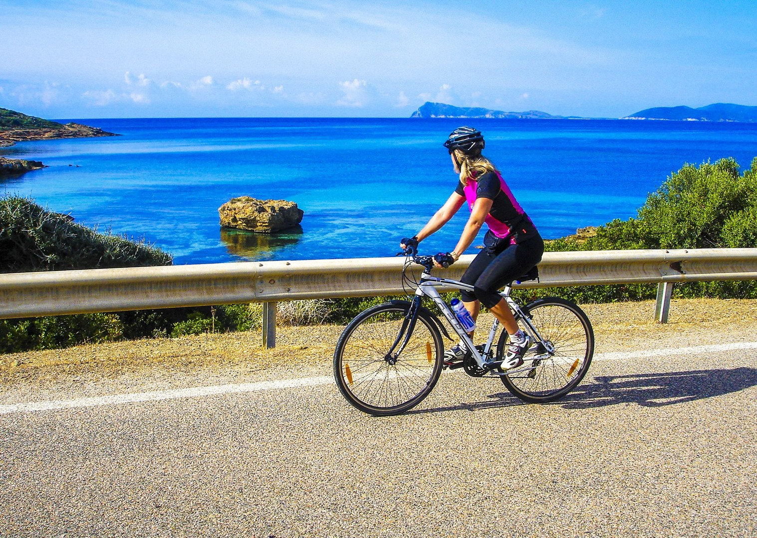saddle-skedaddle-leisure-cycling-self-guided-sardinia.jpg - Italy - Sardinia - Island Flavours - Self-Guided Leisure Cycling Holiday - Italia Leisure and Family Cycling