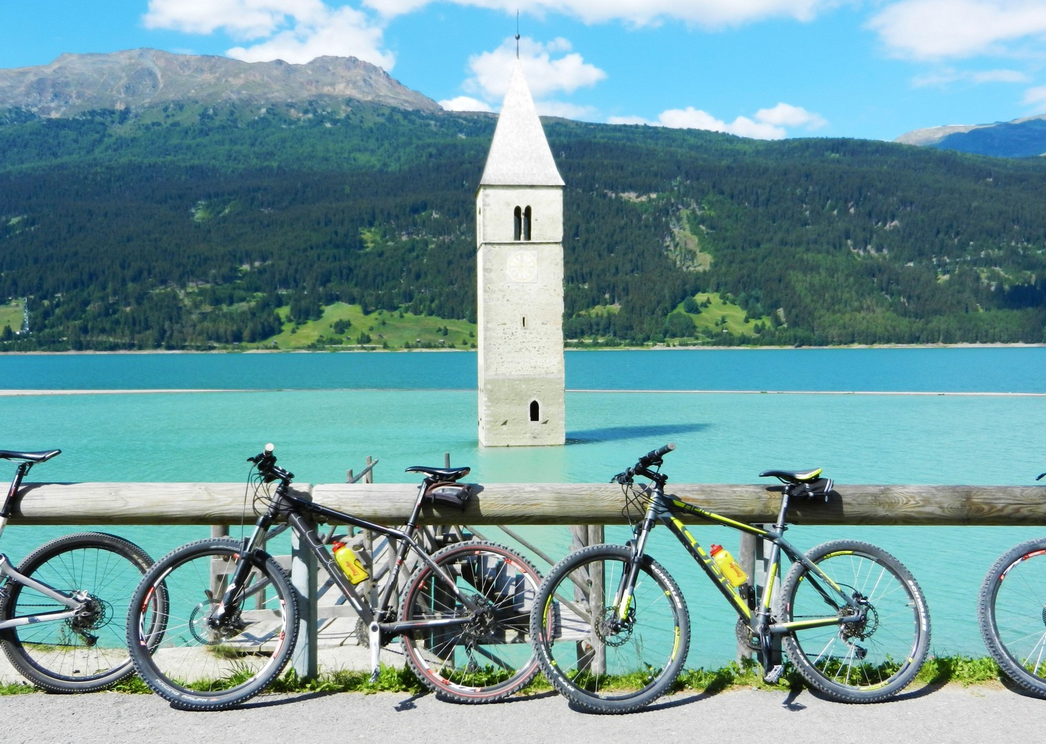 guided-leisure-cycling-past-river-etsch.jpg - Austria and Italy - La Via Claudia - Guided Leisure Cycling Holiday - Italia Leisure and Family Cycling