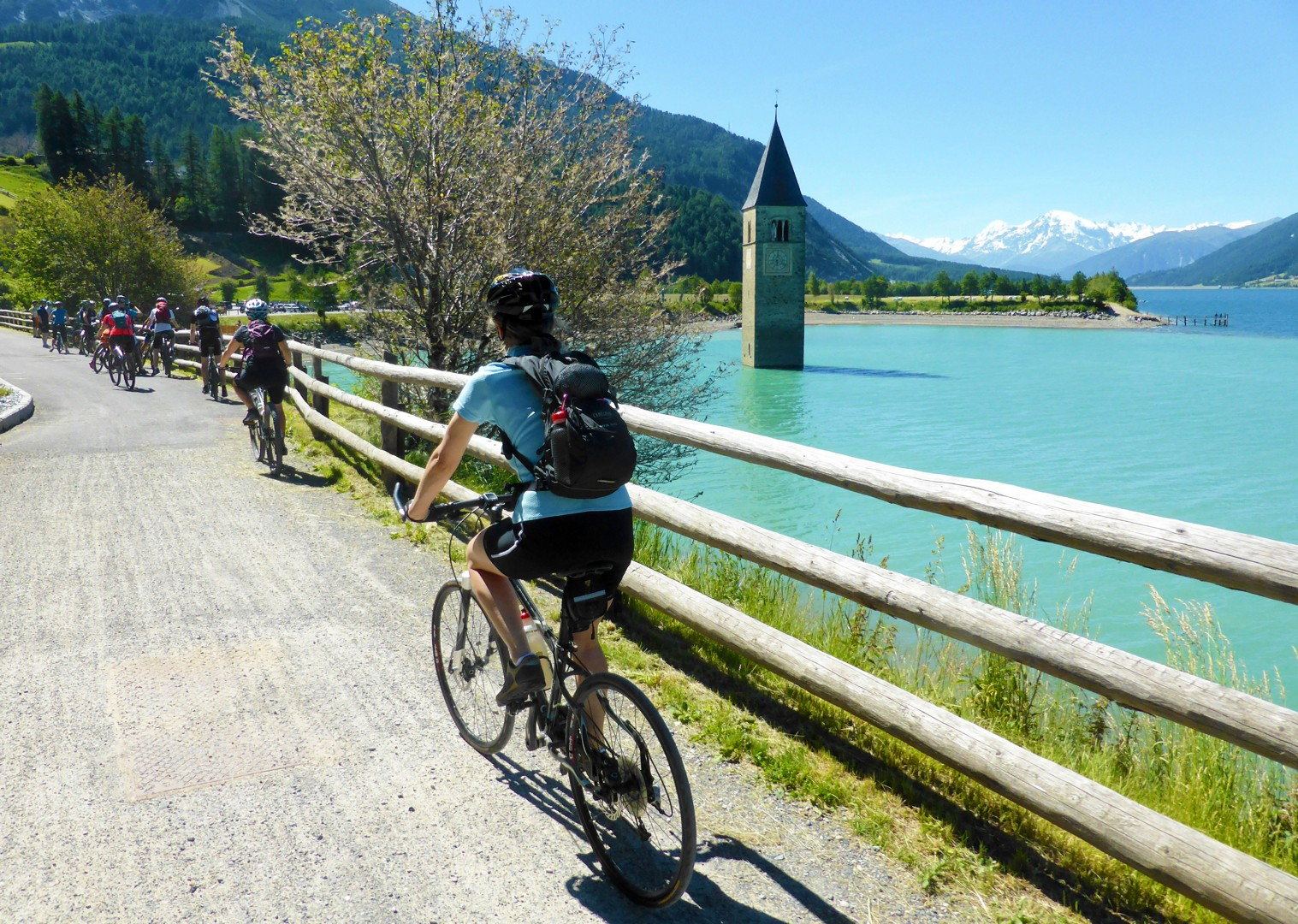 la-via-claudia-guided-cycling-holiday-river-etsch.jpg - Austria and Italy - La Via Claudia - Guided Leisure Cycling Holiday - Italia Leisure and Family Cycling