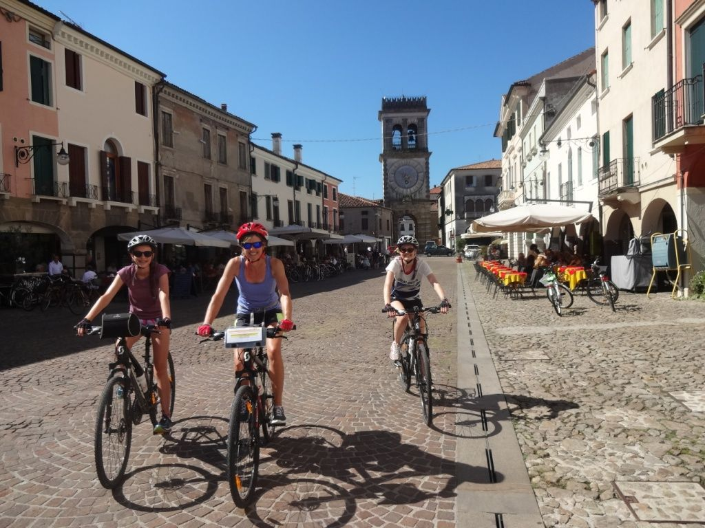 italyleisurecycling3.JPG - Italy - Lake Garda to Venice - Guided Leisure Cycling Holiday - Italia Leisure and Family Cycling
