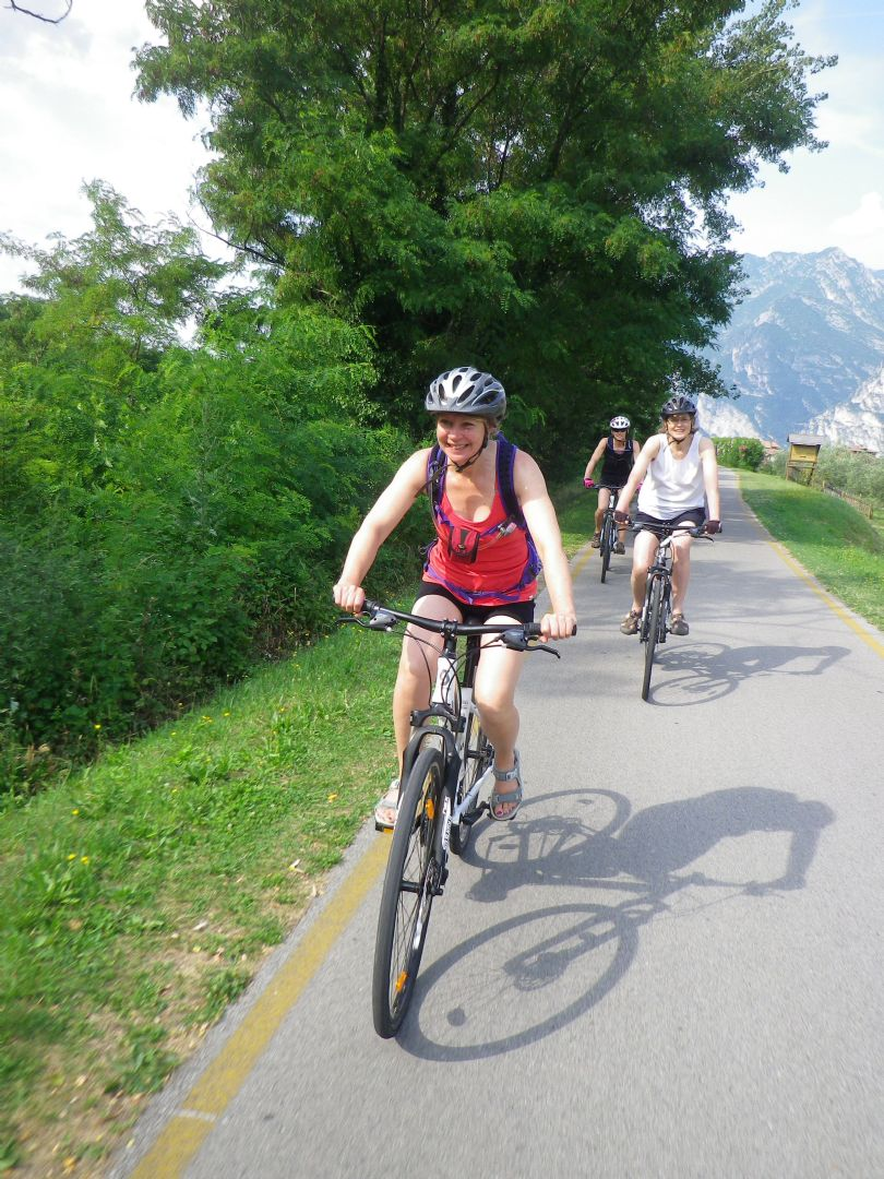 gar2.jpg - Italy - Lake Garda to Venice - Self-Guided Leisure Cycling Holiday - Italia Leisure and Family Cycling