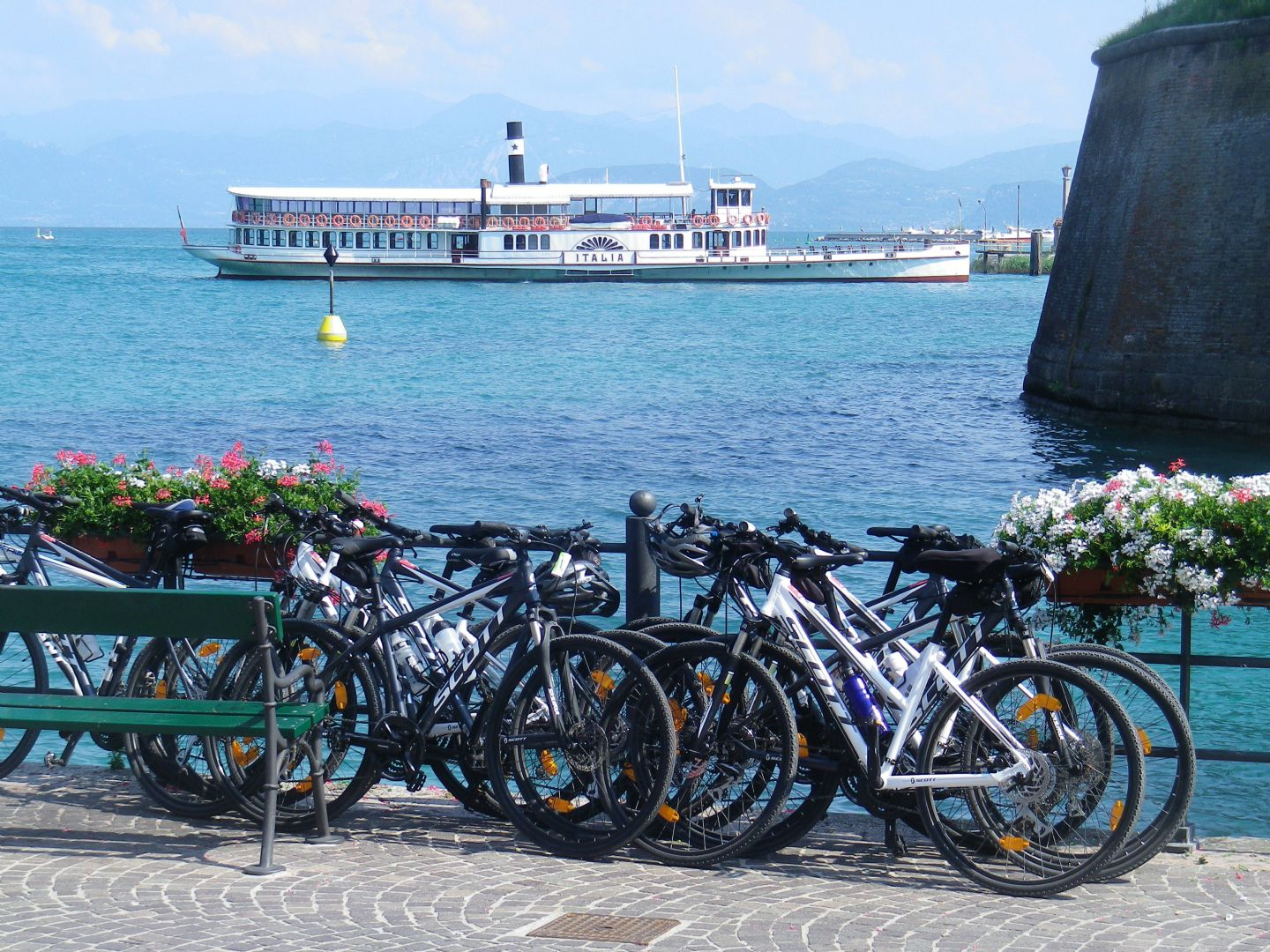 gar4.jpg - Italy - Lake Garda to Venice - Self-Guided Leisure Cycling Holiday - Italia Leisure and Family Cycling