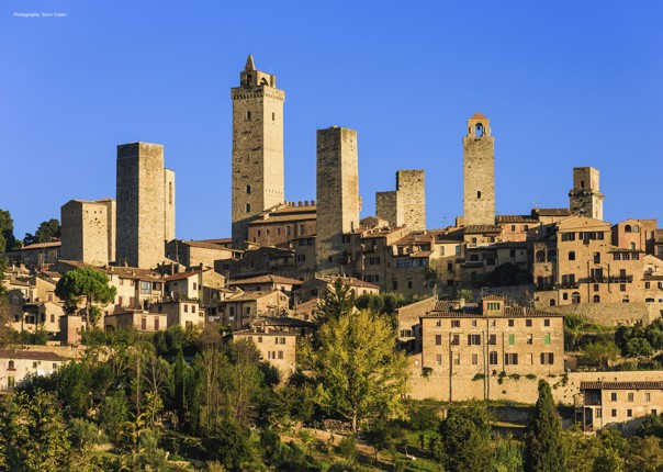 leisure-cycling-holiday-tuscany-sangimignano.jpg - Italy - A Taste of Tuscany - Guided Leisure Cycling Holiday - Italia Leisure and Family Cycling