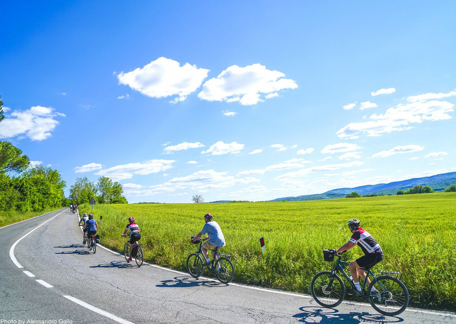 sunny-days-beautiful-region-italy-nature-cycle-guided-holiday.jpg - Italy - A Taste of Tuscany - Italia Leisure and Family Cycling