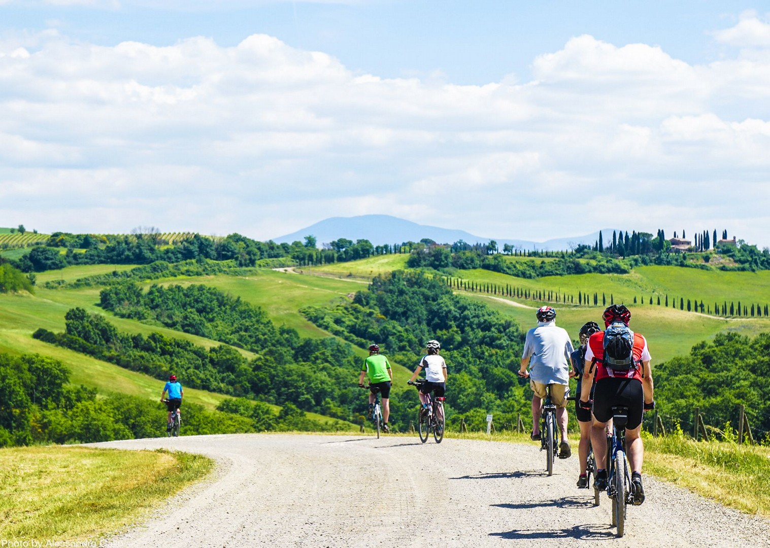 stunning-italian-tuscan-landscapes-group-bike-tour.jpg - Italy - A Taste of Tuscany - Italia Leisure and Family Cycling