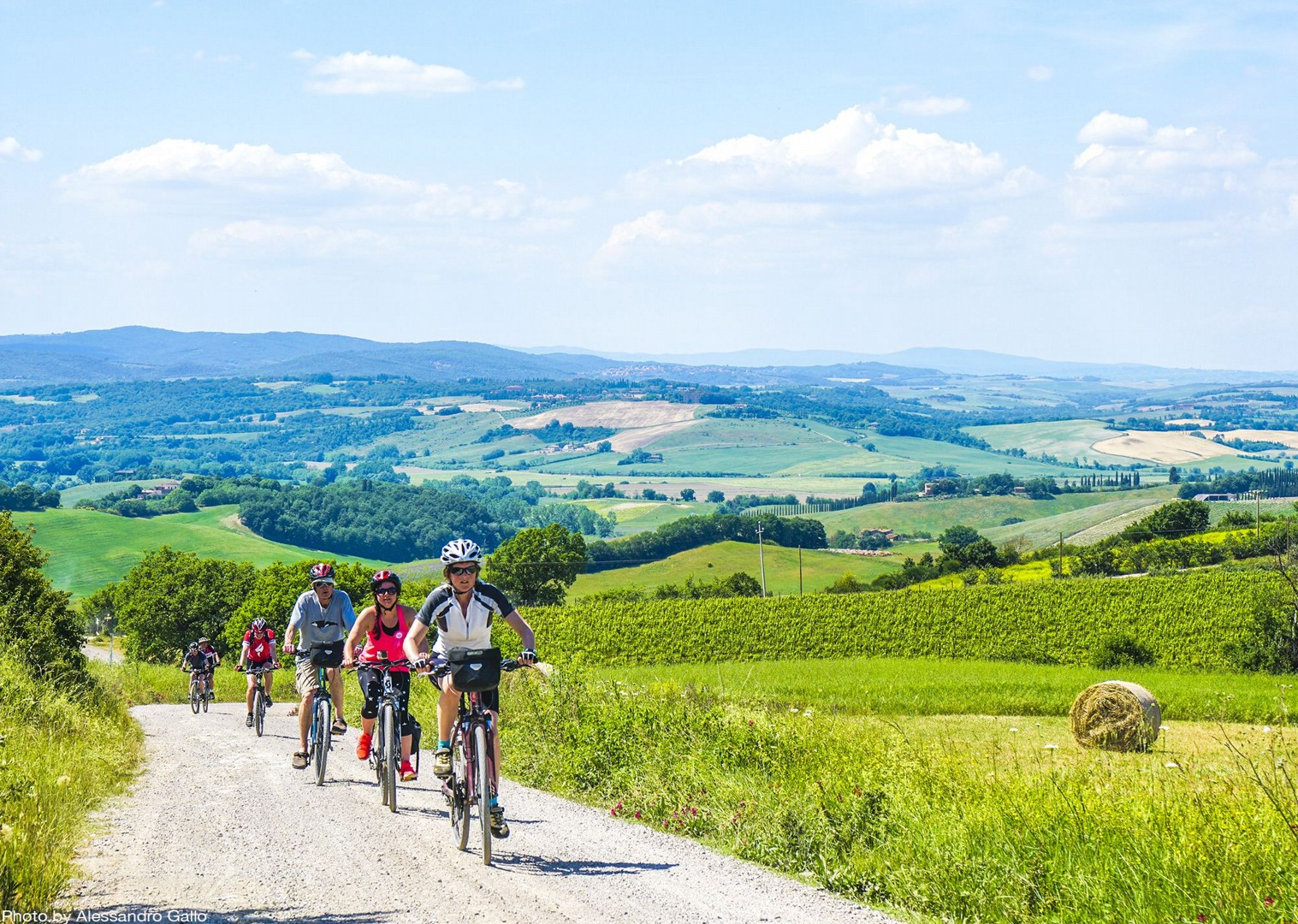 traditional-italian-farms-explore-holiday-bike-tour.jpg - Italy - A Taste of Tuscany - Italia Leisure and Family Cycling