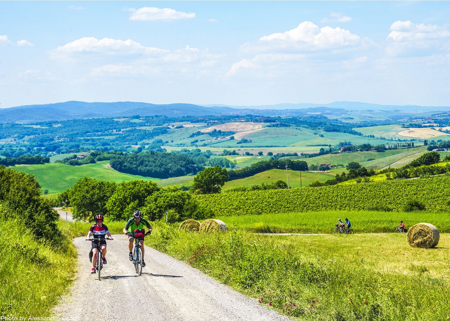 traditional-italian-farms-explore-holiday-bike-tour.jpg - Italy - Classic Tuscany - Self-Guided Leisure Cycling Holiday - Italia Leisure and Family Cycling