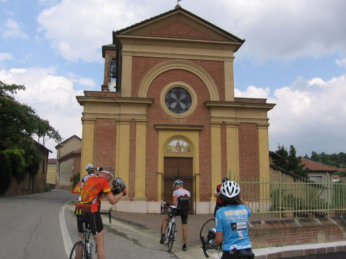 IMG_7917.JPG - Italy - Piemonte - Vineyards and Castles - Leisure Cycling Holiday - Guided - Italia Leisure and Family Cycling