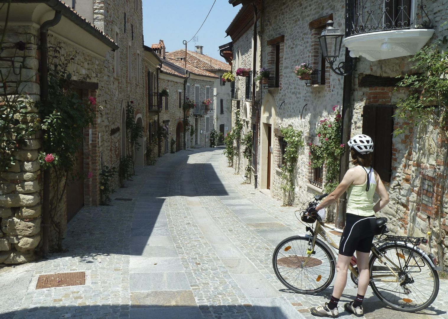 _Customer.27713.17221.jpg - Italy - Piemonte - Vineyards and Castles - Leisure Cycling Holiday - Guided - Italia Leisure and Family Cycling