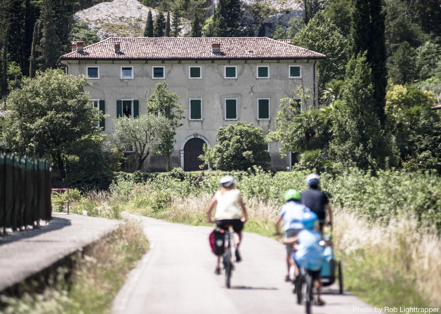 Lake-Garda-to-Venice-Italy-Family-Cycling-Holiday.jpg - Italy - Lake Garda to Venice - Self-Guided Family Cycling Holiday - Italia Leisure and Family Cycling