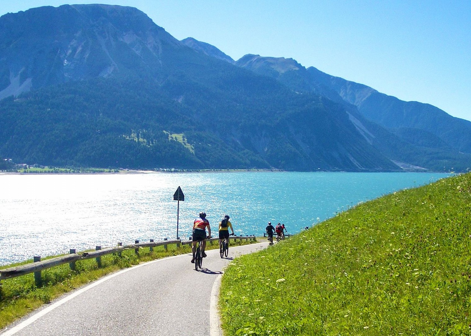 cycle-past-river-etsch-la-via-claudia-adventure.jpg - Italy - La Via Claudia - Self-Guided Leisure Cycling Holiday - Italia Leisure and Family Cycling