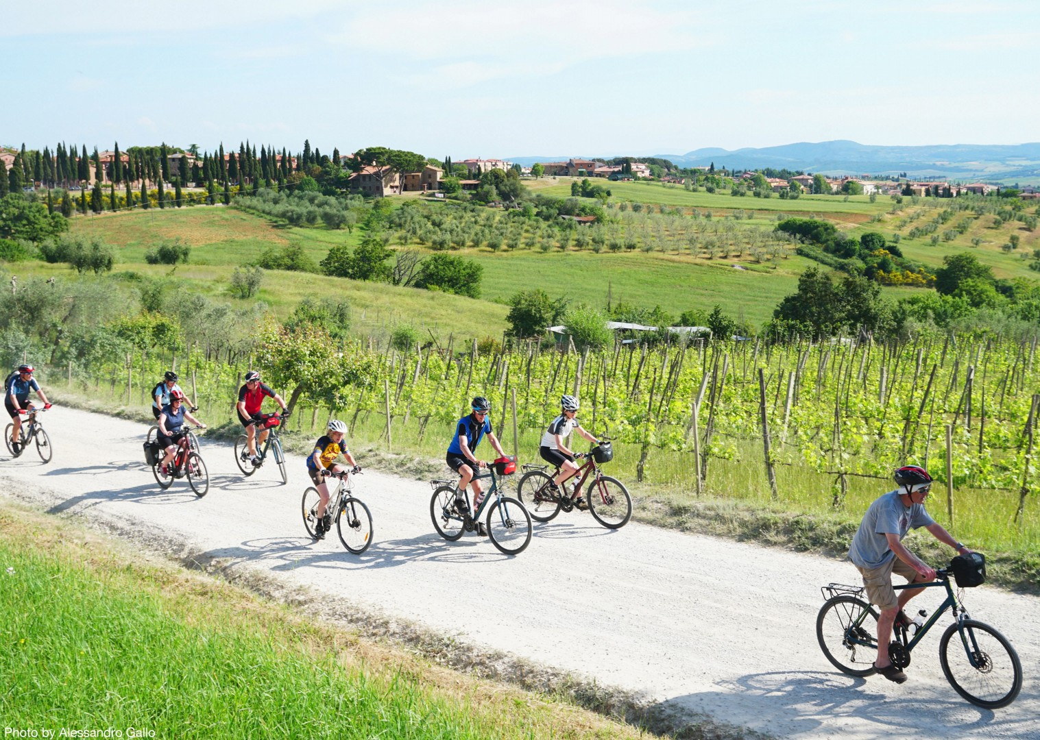 Italy-Via-Francigena-Tuscany-to-Rome-Guided-Leisure-Cycling-Holiday-group-cycling - Italy - Via Francigena (Tuscany to Rome) - Guided Leisure Cycling Holiday - Italia Leisure and Family Cycling