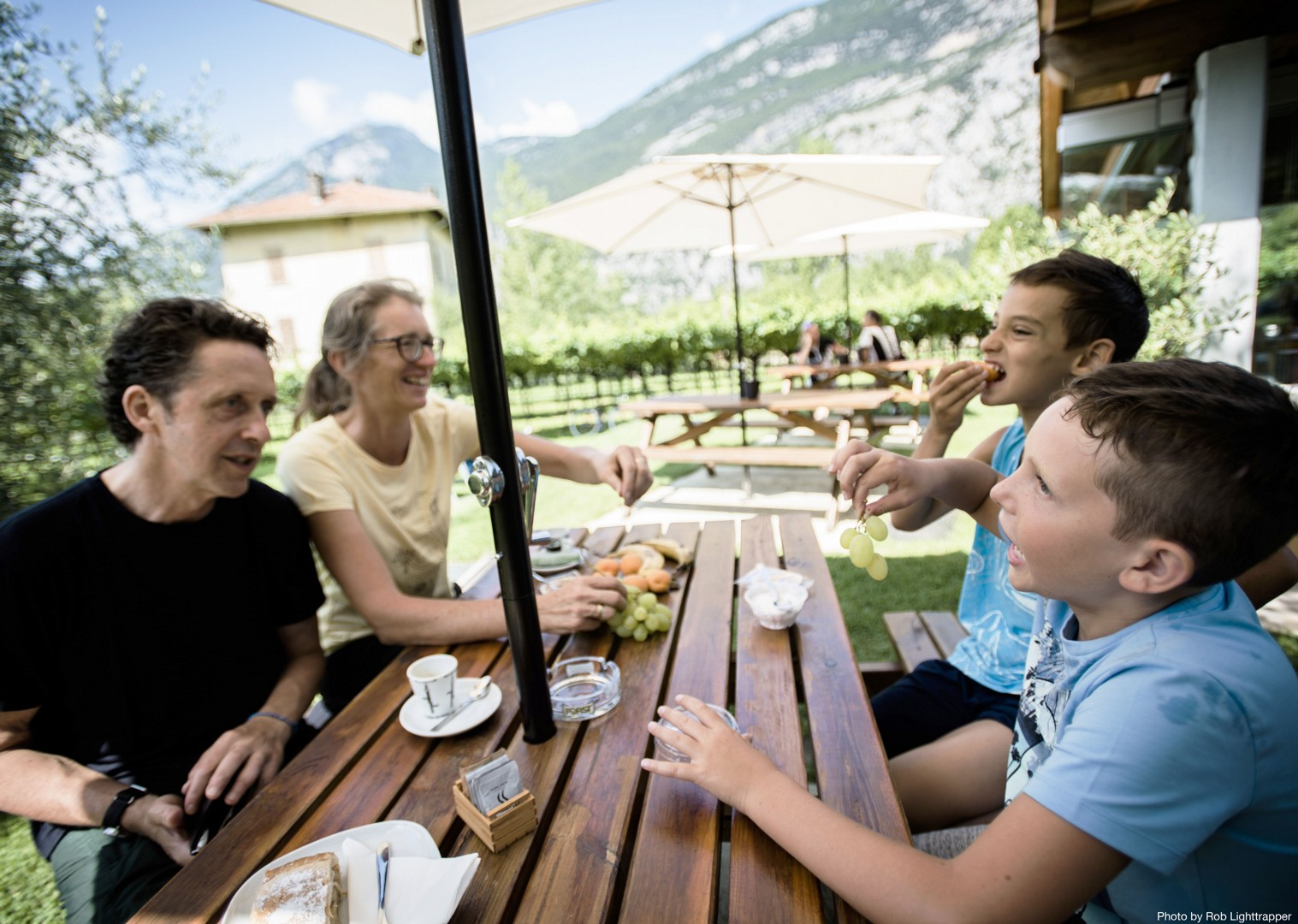 picnic-italy-lake-garda-family.jpg - Italy - Lake Garda Explorer - Self-Guided Family Cycling Holiday - Italia Leisure and Family Cycling