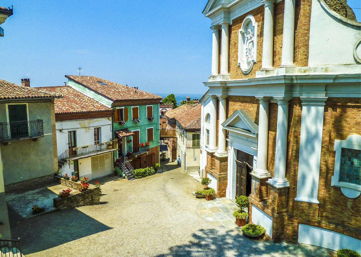traditional-accommodation-agriturismo-saddle-skedaddle-cycling-holiday-tour-italy.jpg - Italy - Piemonte - Vineyards and Views - Self-Guided Leisure Cycling Holiday - Italia Leisure and Family Cycling