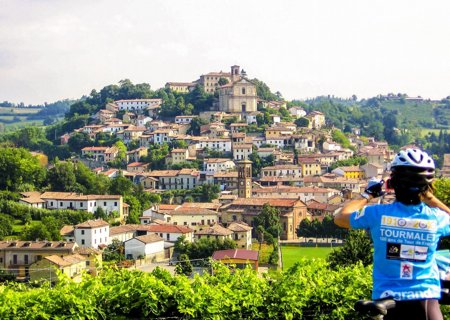 piedmont-italy-self-guided-cycling-culture-experience-agriturismo-accommodation.jpg - Italy - Piemonte - Vineyards and Views - Self-Guided Leisure Cycling Holiday - Italia Leisure and Family Cycling