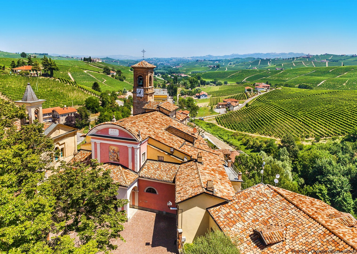 canale-barolo-alba-asti-regions-of-italy-tour-on-bikes-skedaddle.jpg - Italy - Piemonte - Vineyards and Views - Self-Guided Leisure Cycling Holiday - Italia Leisure and Family Cycling