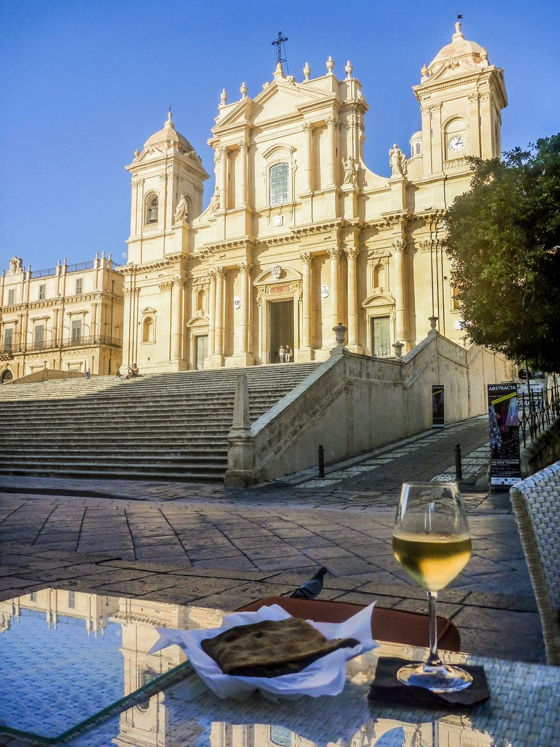 local-fine-wine-tasty-food-sicily-italy-self-guided-cycling-architecture.jpg - Italy - Sicily - Self-Guided Leisure Cycling Holiday - Italia Leisure and Family Cycling
