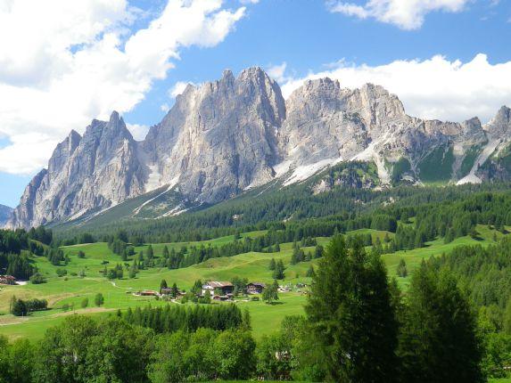 DolomitesRoadCycling122.jpg - Italy - Dolomites and Alps - Italia Road Cycling