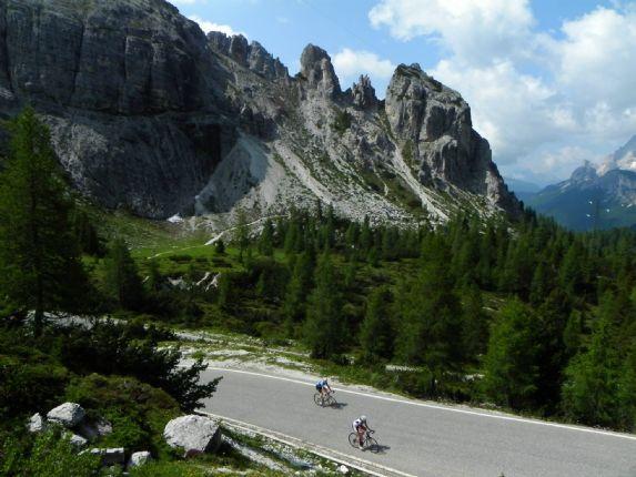 DolomitesRoadCycling15.jpg - Italy - Dolomites and Alps - Italia Road Cycling