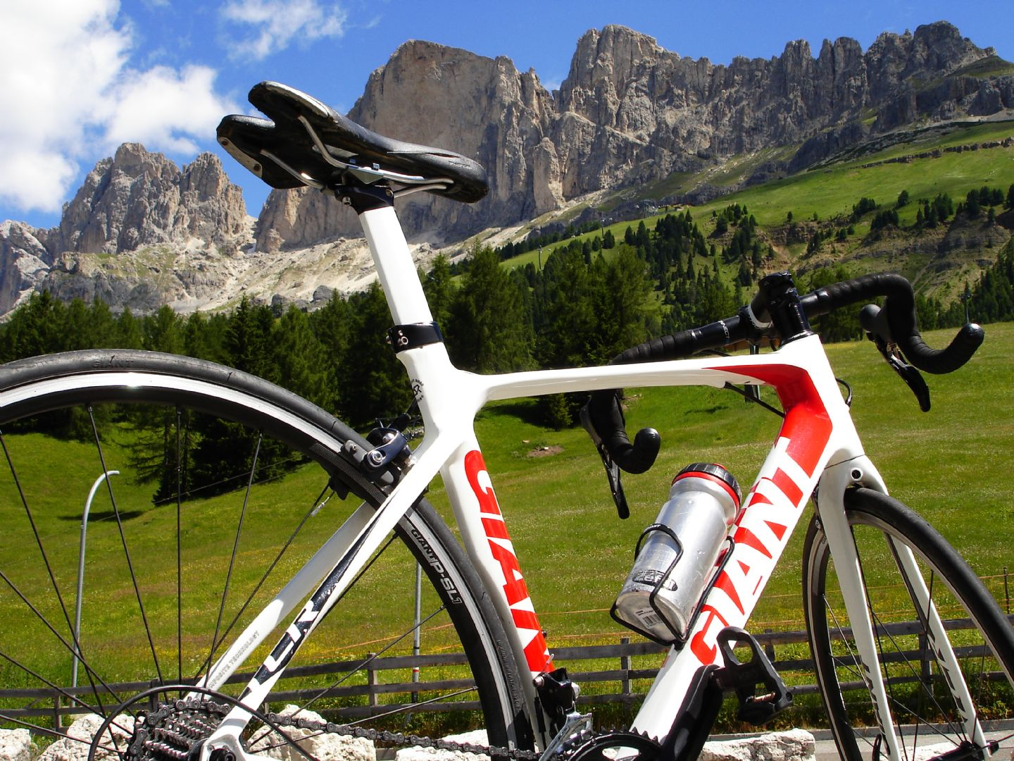 DolomitesRoadCycling63.jpg - Italy - Dolomites and Alps - Italia Road Cycling