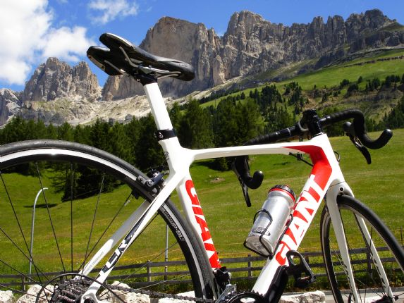DolomitesRoadCycling63.jpg - Italy - Dolomites and Alps - Italia Road Cycling