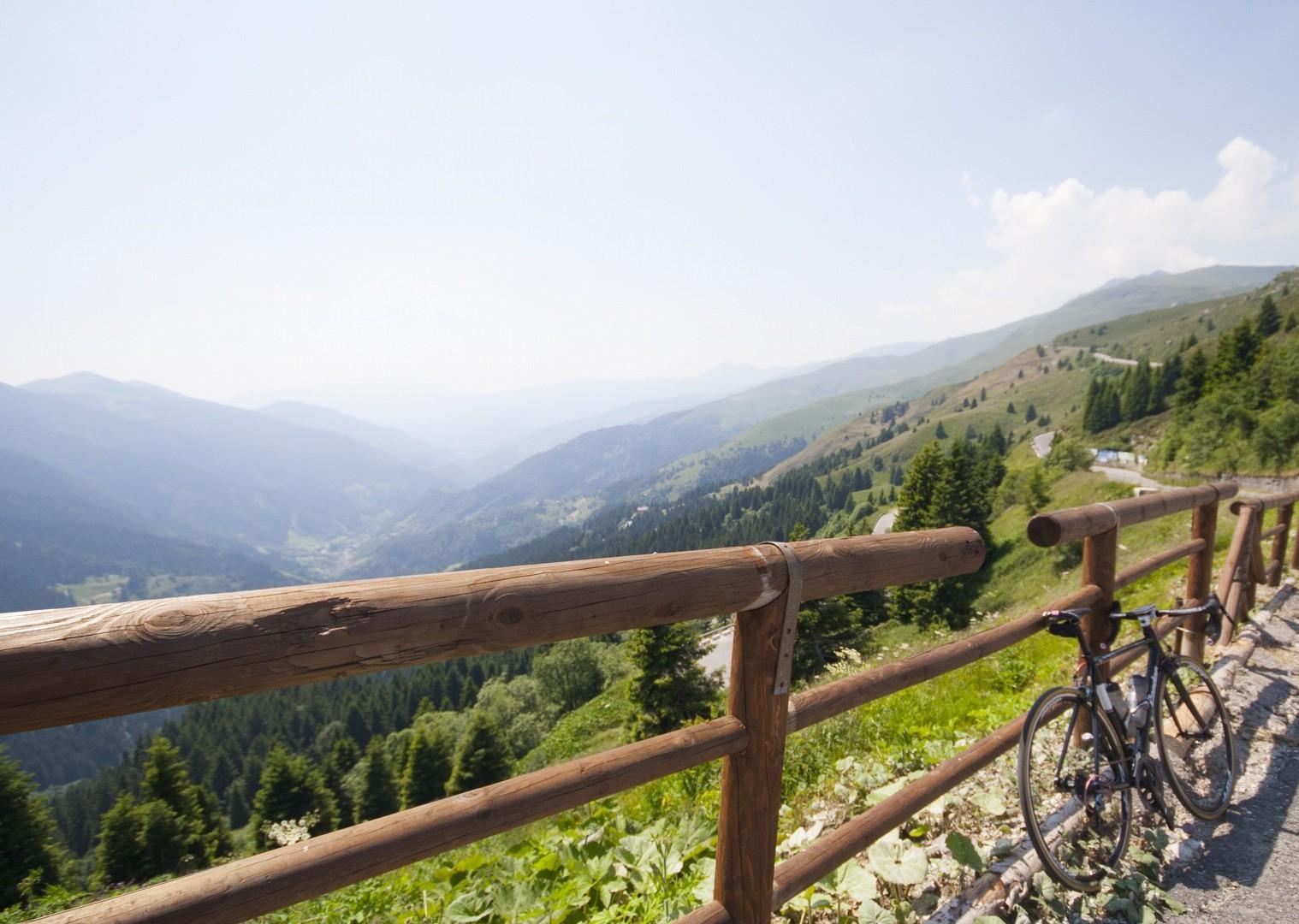 lombardia12.jpg - Italy - Lakes of Lombardia - Guided Road Cycling Holiday - Italia Road Cycling