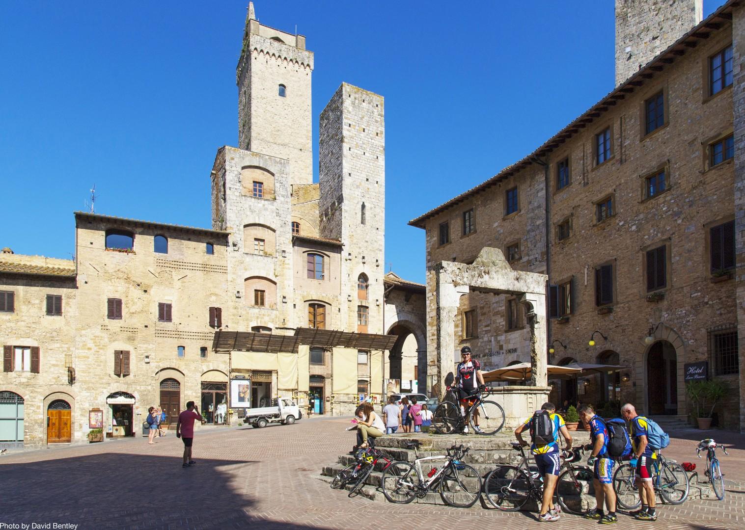 tuscany-road-cycling.jpg - Italy - Tuscany Tourer - Guided Road Cycling Holiday - Italia Road Cycling