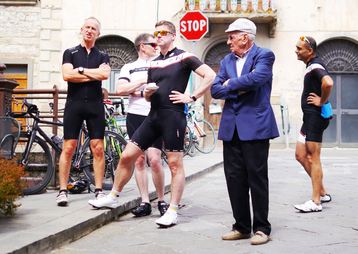 team-guided-cycling-holiday-tuscany-italy.jpg - Italy - Tuscany Tourer - Guided Road Cycling Holiday - Italia Road Cycling