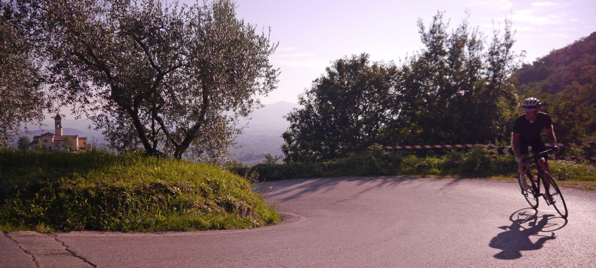 Tuscany.jpg - Italy - Garfagnana - The Mountains of Tuscany - Italia Road Cycling