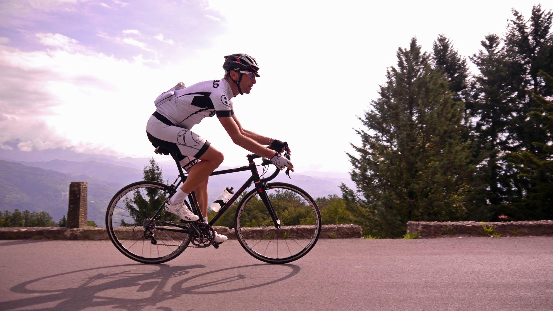 Composed (non-cropped).jpg - Italy - Garfagnana - The Mountains of Tuscany - Italia Road Cycling