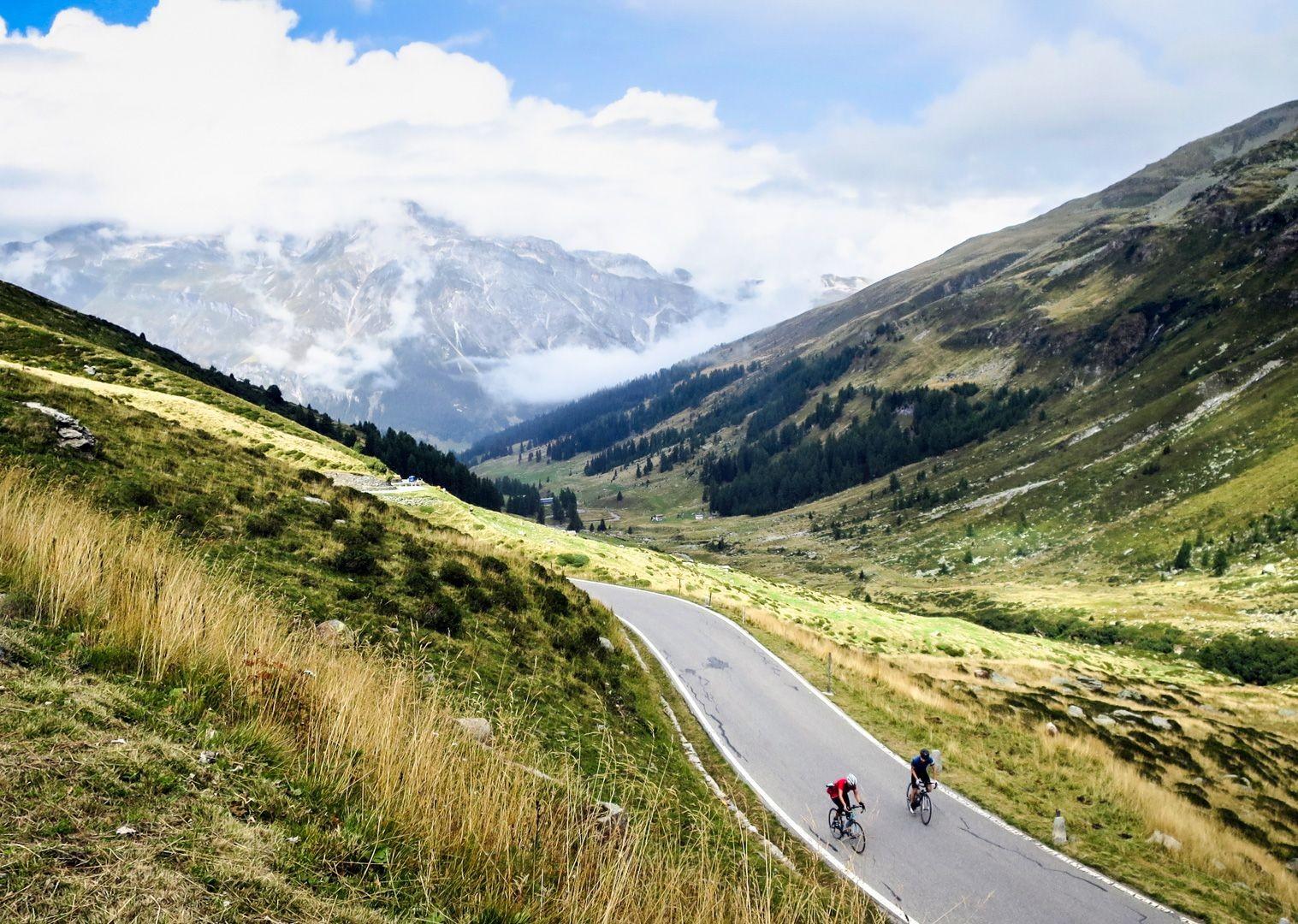 road-cycling-climbing-passo-di-spluga-italy.jpg - Italy - Raid Dolomiti - Guided Road Cycling Holiday - Italia Road Cycling