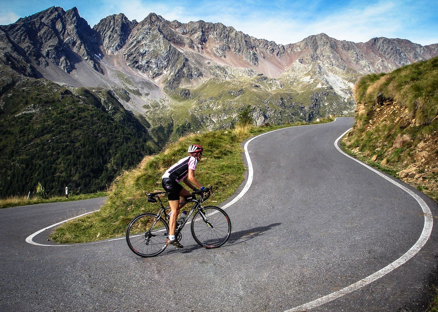 stevilo-pass-italy-road-cycling-guided-tour.jpg - Italy - Raid Dolomiti - Guided Road Cycling Holiday - Italia Road Cycling