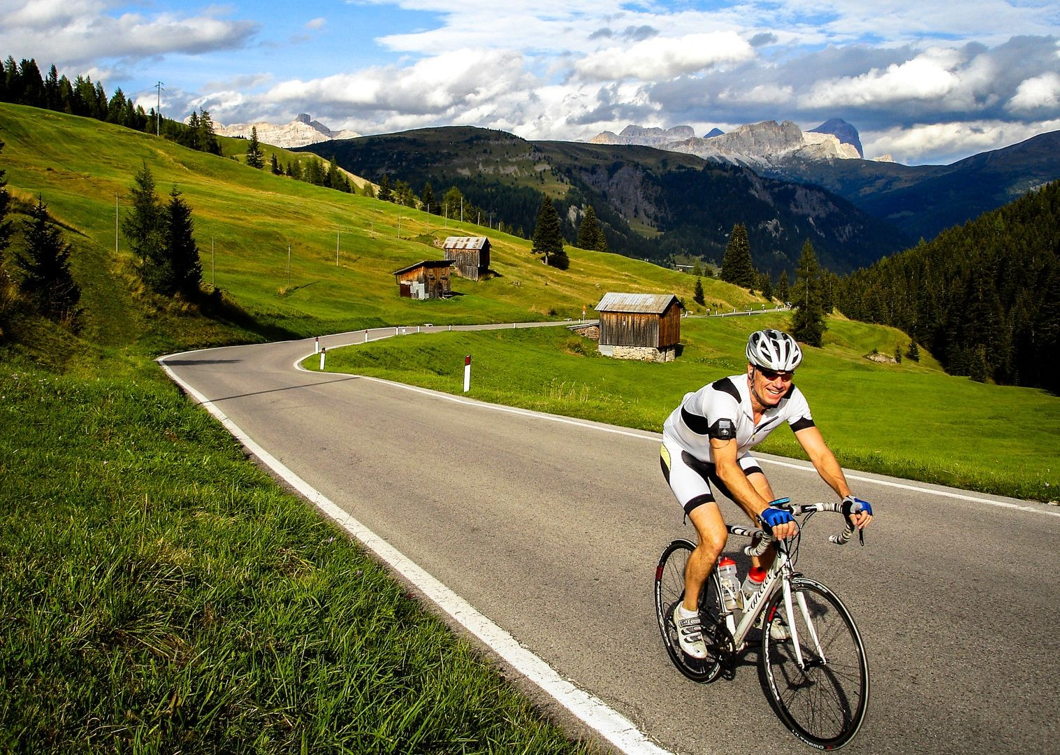incredible-road-cycling-with-saddle-skedaddle-in-italy.jpg - Italy - Italian Dolomites - Guided Road Cycling Holiday - Italia Road Cycling